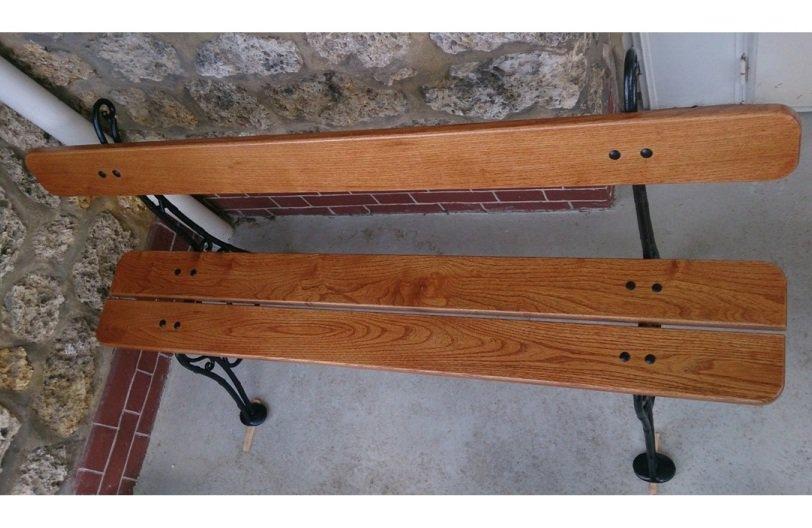 Rénover un banc en bois aux pieds en fonte