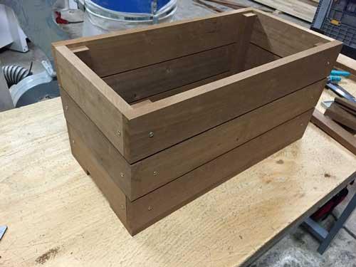 Fabriquer une jardinière en bois 9