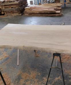 planche bois brut sans écorce